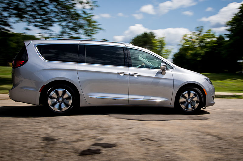 Boasting up to 566 total driving range, it's a happy hybrid for family fun.