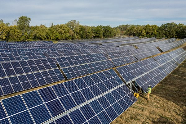Solar project at Dane County Airport moves forward